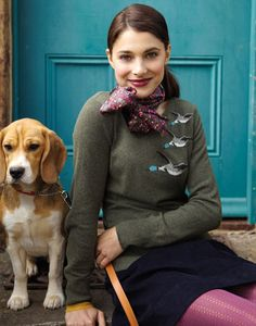 This look blends smart and casual, with a nod to the countryside. Cute dog not essential.