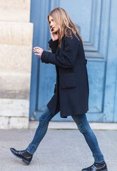 Chelsea boots are always a staple, here paired with ultra skinny blue jeans and a bulky coat