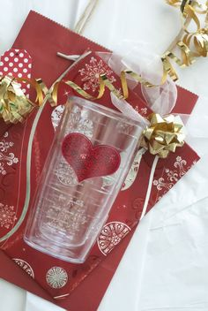 Pink sequins brighten this Tervis design, letting everyone know you're all heart. #gifts4all