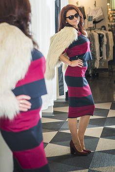 """Veľmi aktuálnym hitom v móde sú umelé kožušiny a platí zásada """"čím huňatejšie, tým lepšie"""". Model sme doplnili lodičkami rovnakého farebného odtieňa značky Baťa."""