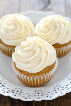 Moist and sweet pumpkin cupcakes with an easy cream cheese frosting.  These cupcakes are perfect for pumpkin lovers!