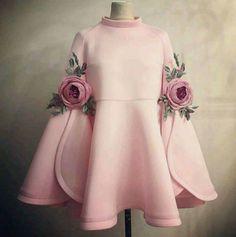Eid Mubarek Bayram Good festival for all araş – KinderMode Baby Girl Dresses, Baby Dress, Dress Up, Rose Dress, Dress Clothes, African Fashion, Kids Fashion, Fashion Design, Style Fashion