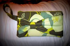 Bow clutch from elm street life