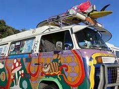 Are you ever heard for Woodstock or hippies? If your answer is positive you know how looks iconic the Volkswagen hippie kombi Type Volkswagen Bus, Vw Camper, Kombi Hippie, Art Auction Projects, Wheels On The Bus, Hand Painting Art, Love Bugs, Peace And Love, Dream Cars