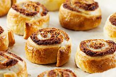 V-Zug recipe for Danish Nut Pastries. Head over to 'Our V-Zug Products' board to see our exciting range! Baking Parchment, 15 Minute Meals, Easy Entertaining, Recipe Search, Tray Bakes, Cooking Time, Pastries, Danish, Switzerland