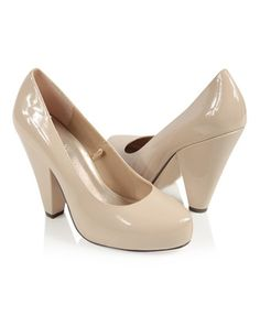af40ac42cf477 You could never go wrong with a cream patent leather pump with a simple 3  inch