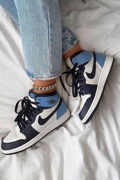 Cute Nike Shoes, Nike Air Shoes, Sneakers Nike, Trendy Womens Sneakers, Trendy Shoes, Nike Air Jordan, Sneakers Fashion, Fashion Shoes, Jordan Shoes Girls