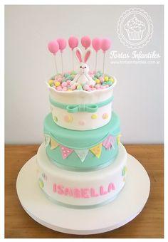 Torta de Coneja con globos y banderines