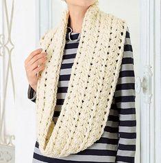 ボリューム感が素敵!秋冬をほっこりあったか*手編みのスヌードの作り方(ニット)   ぬくもり