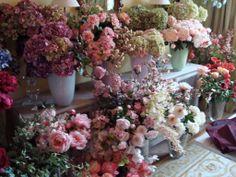 De mooiste zijde bloemen. Niet van echt te onderscheiden.
