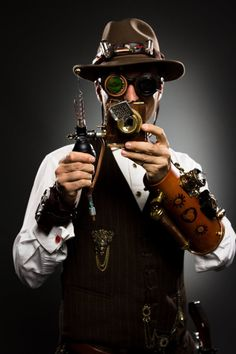 Everything Steampunk - Discussion about costumes, props, events, books and more! Viktorianischer Steampunk, Steampunk Design, Steampunk Cosplay, Steampunk Clothing, Steampunk Fashion, Steampunk Outfits, Steampunk Couture, Steampunk Goggles, Victorian Fashion