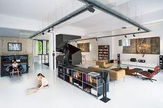 USM Haller,                  Sideboard,                          Wohnzimmer,           Wohnen,                 Zuhause,                              zu Hause,                          reinweiß,                             weiß,                              mittelgrau,                             grau