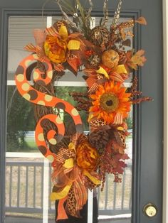 Items similar to Fall Halloween Thanksgiving Wreath with Met | Postris