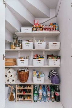 Organisation Hacks, Pantry Organization, Organized Pantry, Pantry Storage, Bathroom Organization, Pantry Diy, Small Pantry, Pantry Ideas, Organizing Tips