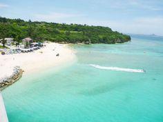 沖縄の離島「瀬底島」。青い空、青い海。全ての癒しが揃っています。