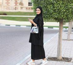 Awesome Plus Size Dresses! Street Hijab Fashion, Abaya Fashion, Muslim Fashion, Fashion Dresses, Fashion Shoot, Girl Hijab, Hijab Outfit, Abaya Designs Dubai, Estilo Abaya