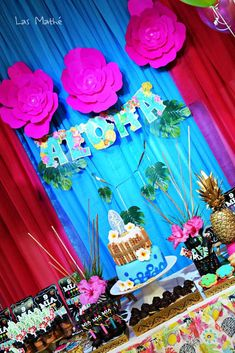 Check out this Hawaiian luau birthday party! See more party ideas at CatchMyParty.com!