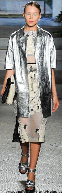 Antonio Marras Spring 2014 Ready-to-Wear Fashion Show 70s Fashion, Couture Fashion, High Fashion, Fashion Show, Fashion Design, Classic Fashion, Milan Fashion, Antonio Marras, Tropical Fashion