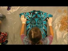 Part 2 of the series. This video shows how to tie and dye black-backed spirals, off-center spirals and symmetrical spirals using Jacquards Tie Dye Kit (with the addition of Jet Black), which is includes Procion MX dyes. For more tutorials like this one from Jacquard, be sure to follow us on Facebook, at: http://www.facebook.com/JacquardProducts...