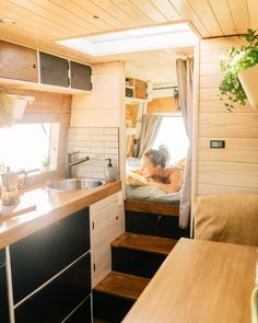 """I always get asked """"What's one thing you miss when you're living on the road?"""" 🤔🚐 And I can honestly and openly say, that now, with this… Small Tiny House, Tiny House Living, Tiny House Design, Tiny House On Wheels, Van Conversion Interior, Camper Van Conversion Diy, Bus Living, Living On The Road, Camper Life"""