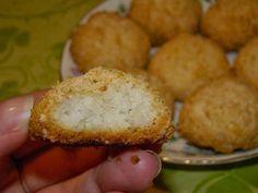 Cristina's world: Biscuiti simpli si deliciosi, cu cocos Muffin, Breakfast, Food, Morning Coffee, Essen, Muffins, Meals, Cupcakes, Yemek