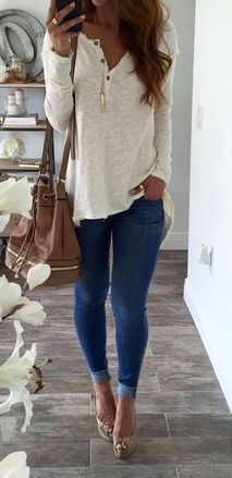 Cute outfit but also pinning for the bookshelf in the back!! LOVE it.