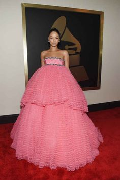 All The Looks From The 2015 Grammy Awards (Rihanna)