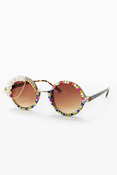 Spangled Embellished Round Frame Sunglasses, Urban Outfitters 2014, £40. Love the added chain.