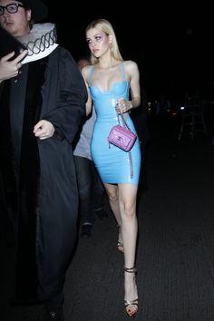 Nicola Peltz shows off her fit figure in a skintight latex dress Halloween NicolaPeltz rubber fashion cosplay photo celebs Boho Fashion, High Fashion, Fashion Dresses, Womens Fashion, Fashion Tips, Fashion Quiz, Fashion 2020, Fashion Photo, Retro Fashion
