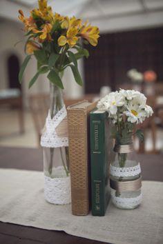 decor detail: book and flower ohlindeza.com