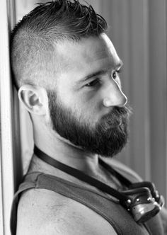 This Best men short beard and mustache style 5 image is part from 80 Awesome Inspirations Men Short Beard and Mustache Style that You Must Try gallery and article, click read it bellow to see high resolutions quality image and another awesome image ideas. Beard And Mustache Styles, Beard No Mustache, Hair And Beard Styles, Handsome Bearded Men, Hairy Men, Men Beard, Mens Facial, Facial Hair, Bart Styles