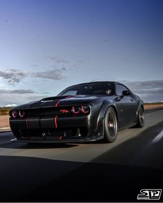 A monster on the hunt! Dodge Challenger R/T Scat Pack Cool Sports Cars, Sport Cars, Cool Cars, Nissan Gtr 35, Ford Mustang Wallpaper, New Luxury Cars, Dodge Muscle Cars, Street Racing Cars, Pony Car