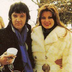 Elvis and Ginger attend her grandfather's funeral in 1977.