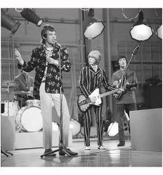the-rolling-stones-on-the-ed-sullivan-show-1966.jpg (2020×2170)