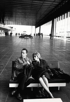 Michelangelo Antonioni et Monica Vitti à Rome en 1962. En savoir plus sur http://www.lemonde.fr/m-actu/article/2015/07/31/vitti-antonioni-une-passion-italienne_4705836_4497186.html#VVOdyz53WajwvVrQ.99
