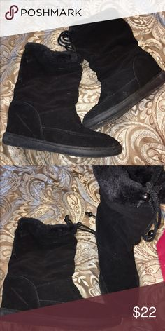 Winter boots Gently worn winter boots with a small wedge. sketchers Shoes Winter & Rain Boots