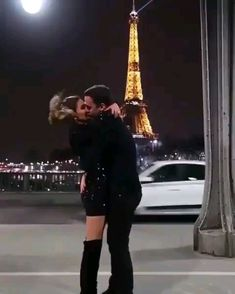 Cute Couples Kissing, Funny Couples, Cute Couples Goals, Couple Aesthetic, Aesthetic Movies, Aesthetic Videos, Cute Couple Videos, Cute Couple Pictures, Couple Pics