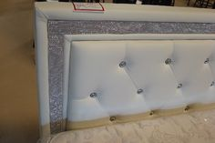 RHINESTONE BED