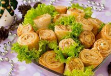 Γιορτινή σαλάτα με κρέπες , παντζάρια και κοτόπουλο