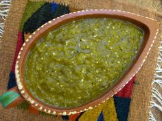 One Classic Mexican Recipe and Two Not So Classic Recipes, But Very, Very Good Salsa Verde — Green Chile Sauce — is just as common in Mexican cuisine as Salsa Roja, made with tomatoes … Salsa Verde, Mexican Dishes, Mexican Food Recipes, Green Chili Recipes, Chilli Recipes, Sauce Recipes, Cooking Recipes, Verde Sauce, Roasted Tomatillo
