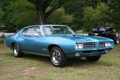 This Same Blue 1969 Pontiac GTO to Travel TransAmerica from Texas-Louisiana-Florida-Georgia(Atlanta)-Virginia-Washington DC-New York- Youngtown, Ohio-Indiana-Chicago, IL-South Dakota-Wyoming-Nevada-Los Angeles-Grand Canyon, Az-New Mexico Over Ten Thousand Miles in Summer of 1974.    Two Time Mileage Turning and Sadly Sold her out at $ 2,300 in 1975 at Nashville, Tennessee from US$ 2,500 Purchasing Price in Memphis.  >  Missed Her As She was My Best Company during My Great time in the States.