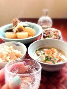 お野菜たっぷり、煮て焼いただけで豪華になったヽ(´∀`)ノ - 106件のもぐもぐ - Today's Dinnerぶり大根,豆腐ときのこの味噌マヨグラタン,豚汁&筍ご飯(母作) by honeybunnyb