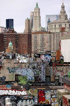 'Duality'. © RicardMN Photography.  New York from the Manhattan Bridge.