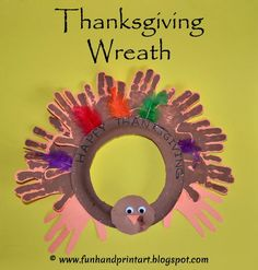 Handprint Turkey Wreath - Kids Thanksgiving Craft #HandprintHolidays #handprintcrafts