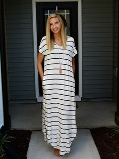 This maxi dress is so versatile! Wear it belted, knotted, or plain! Features…