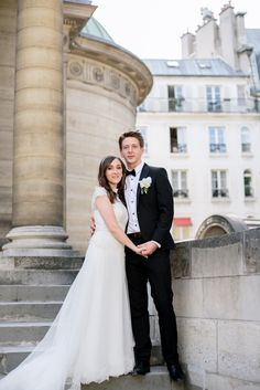 Un mariage chaleureux, raffiné et élegant dans une Chapelle Parisienne! It's cold in Paris and it snow everywhere in France, to begin the week thinking about hot July wedding , refined and elegant in a Parisian chapel.  @charley.connell Когда никакая фотозона не нужна Planning www.weddinginfrance.fr #TBT #организациясвадебвпариже #свадьбавпариже #свадьбавофранции #igersfrance #фотосессиявпариже #weddinginparis #nice #лазурныйберег #хочувпариж #weddingflowers #noiva #conciergeservices #свад