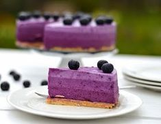 Když jsem tento dort viděla poprvé u Marcelky v Pradobrotách, hned jsem věděla, že i u mě na něj přijde řada!!! Jen jsem myslela, že po... Pie Dessert, Sweet Cakes, Cheesecake, Food And Drink, Tasty, Recipes, Fit, Inspiration, Biblical Inspiration
