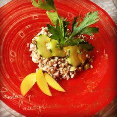 La nostra ricetta del mercoledì: insalata di farro...un piatto fresco, leggero e ricco di fibre! #hotelmarinetta #primipiatti #farro #recipes #ricette  #bibbona #marinadibibbona