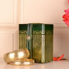 Made with pure leather, it can accommodate two medium sized bangles. A perfect way to gift.