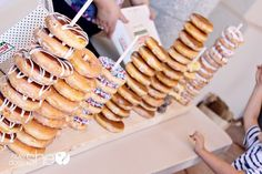 Check the way to make a special photo charms, and add it into your Pandora bracelets. Having doughnuts at your party? EASY and Creative DIY Display! Everyone loves doughnuts! Perfect for a Brunch Party! Donut Party, Diy Donut Bar, Party Food Bars, Teen Party Food, Party Food Themes, Party Mottos, Food Stations, Drink Stations, Mothers Day Brunch
